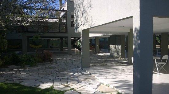 Pousada Aguas Claras Buzios: Área de acesso aos quartos atuais