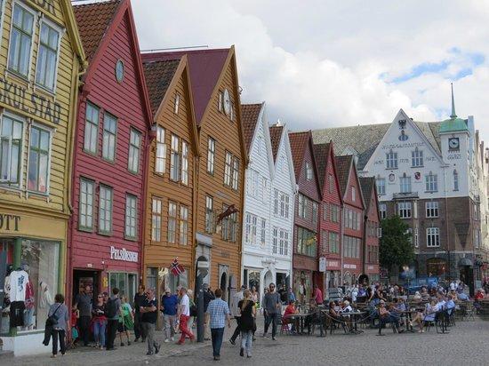 Clarion Collection Hotel Havnekontoret: Zona de Bryggen al lado del Hotel