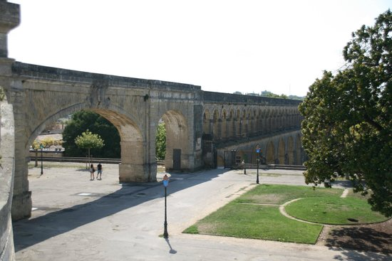 Aquädukt Saint Clément : The Auaduct