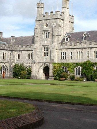 Fernroyd House B&B : University College Cork - Long Hall