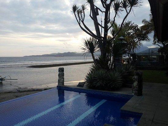 Bayshore Villas Candi Dasa: View from pool