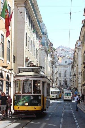 Tram 28: Лиссабонский трамвай