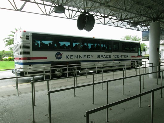 Kennedy Space Center Visitor Complex: Kennedy Space Center - bussen som går runt området