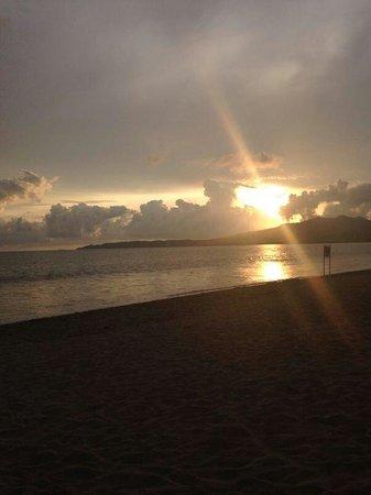 Royal Decameron Complex: Desde la playa del Decameron