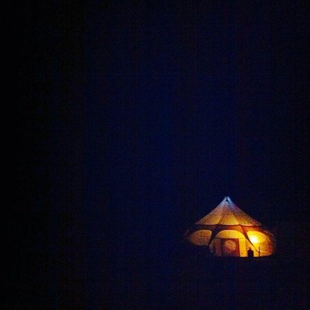 The Three Horseshoes: Our tent at night