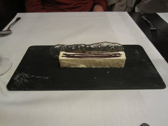 L'Absinthe: Icing Souffle - amazing presentation - front
