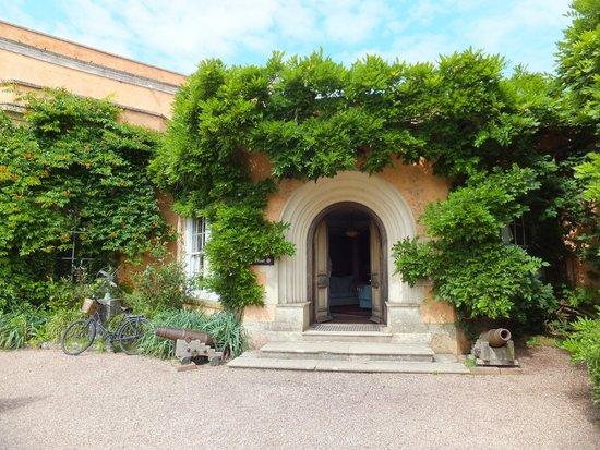 Killerton: Entrance to house