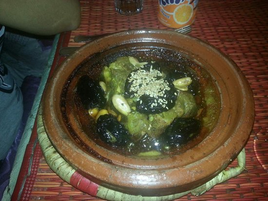 Tajine Wa Tanjia : Tajine di carne alle prugne caramellate