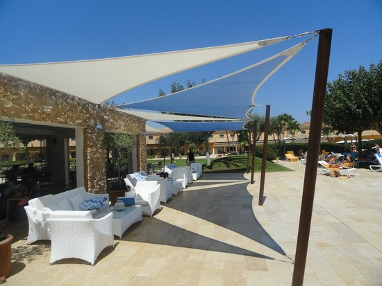 Be Live Collection Son Antem : Poolbar