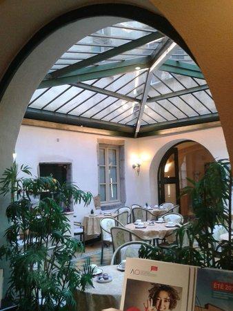 Le Phénix Hotel : Salle de petit déjeuner