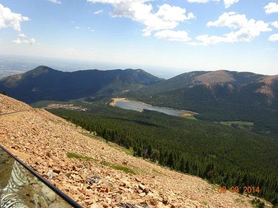 Pikes Peak Cog Railway: Lake in the mountains
