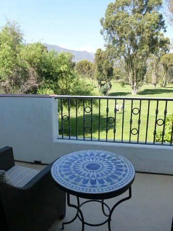 Ojai Valley Inn : Balcony overlooks golf course