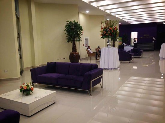 Hotel HEX: Lobby Hex Convention Center