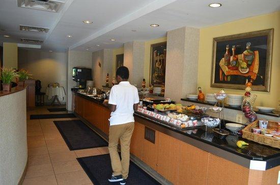 hilton garden inn reagan national airport hotel breakfast buffet - Hilton Garden Inn Reagan National Airport
