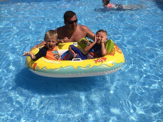 Aparthotel Duva & Spa: Childrens pool.
