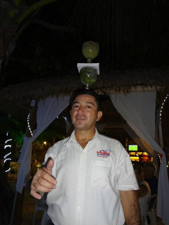 El Fish Fritanga: great balancing act for drink delivery