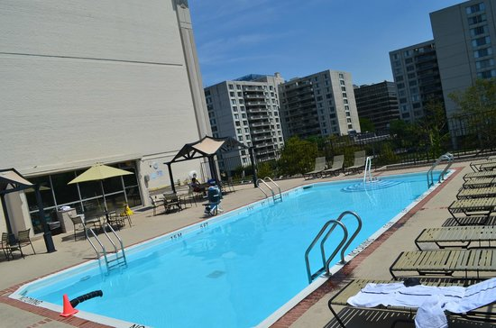 Hilton Garden Inn Reagan National Airport Hotel Pool