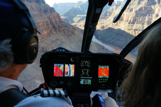Sundance Helicopters : RIO COLORADO VISTO NA CABINE
