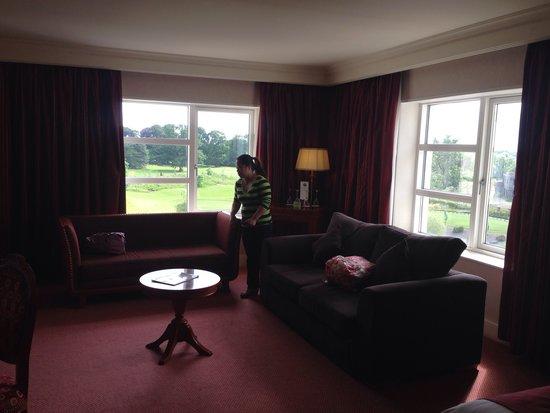 Knightsbrook Hotel & Golf Resort: Living room