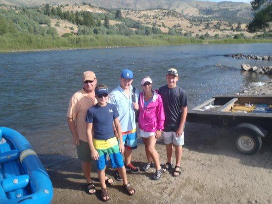 Paddle Colorado : Ready to raft
