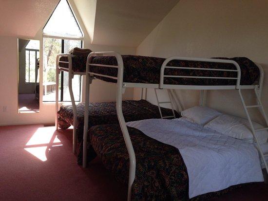 Lake Nacimiento Resort: Lodge 1 loft