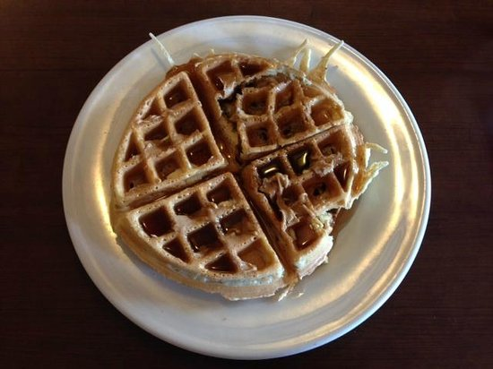 La Quinta Inn & Suites Las Vegas Airport South: Breakfast of champions! Belgian waffles ROCK!