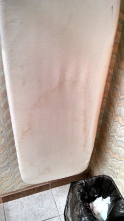 Travelodge Mansfield: Stained ironing board