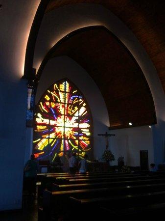 Templo Ecumenico de San Salvador : Vidriera de Giraldo