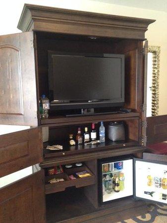 JW Marriott Hotel Mexico City: 1816 mini and liquor bar