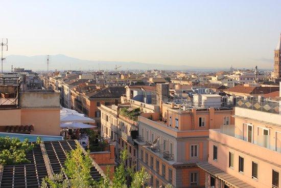 Hotel Diana Roof Garden: Rooftop View