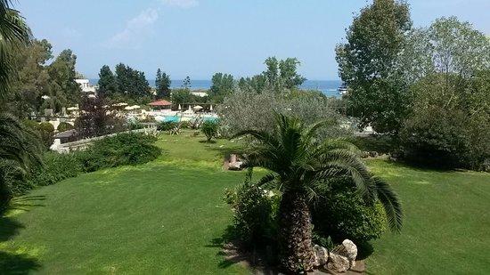 Athos Palace Hotel: Вид из бара