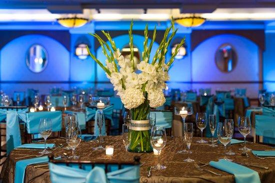 Sacramento Marriott Rancho Cordova: Wedding Reception in California Ballroom