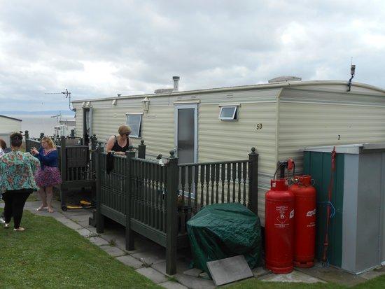 Brit Movie Tours: nessa's caravan
