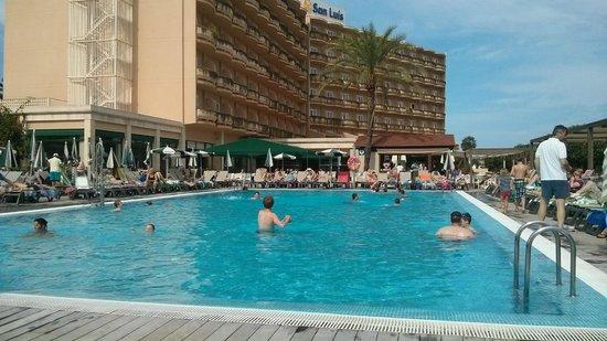 PortBlue San Luis: Pool and Pool Bar