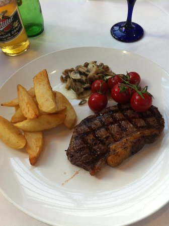 The Alona Hotel: Excellent Restaurant and Quality Food