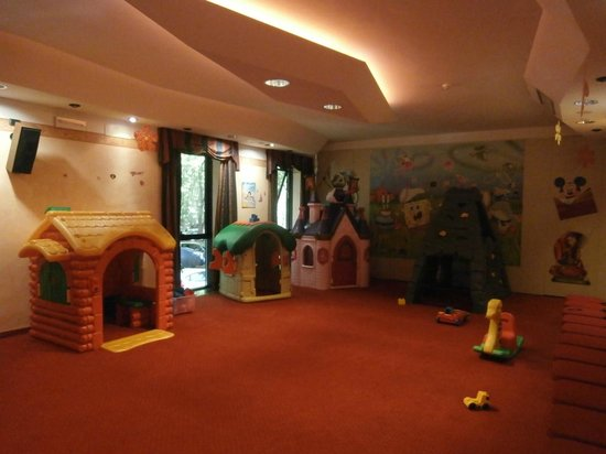 Club Family Hotel Executive: Sala gioco - baby parking