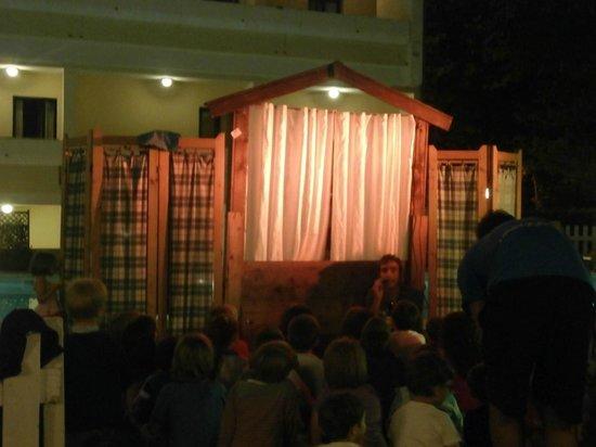 Club Family Hotel Executive: Spettacolo burattini