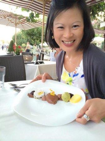 Hotel Helvetia: Best hotel restaurant. Choc dessert!