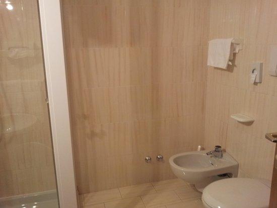 Hotel El Laresh : bagno