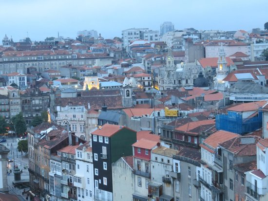 Mercure Porto Centro Hotel: View from hotel window