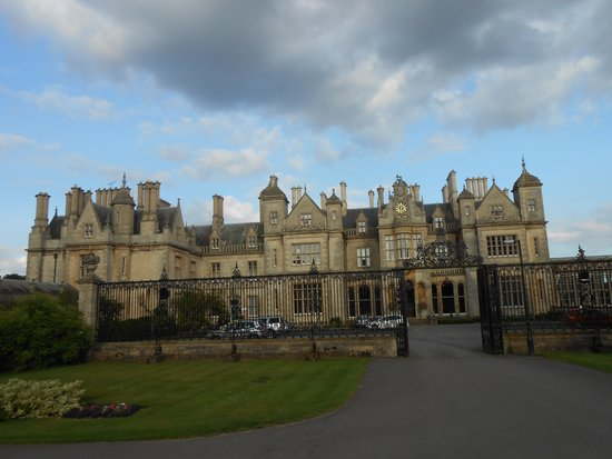 Stoke Rochford Hall: front view