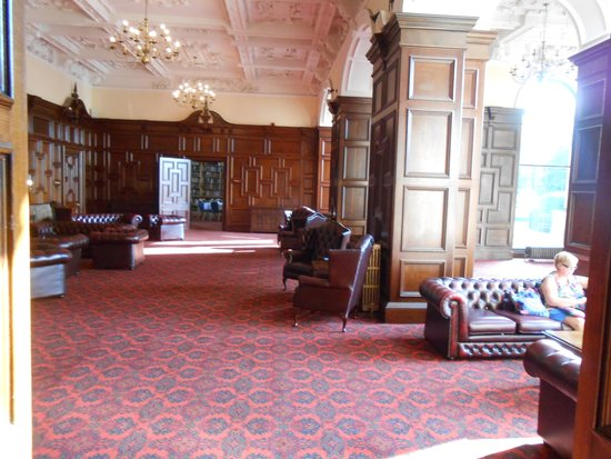 Stoke Rochford Hall: library