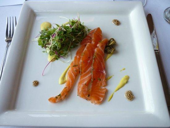 Savour in the Garden : House cured salmon gravlax (excellent)