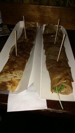 Chulapio Bar a Crepes: Ham, cheese, eggs/ salmon, goat chees: wonderfuuuuul !!