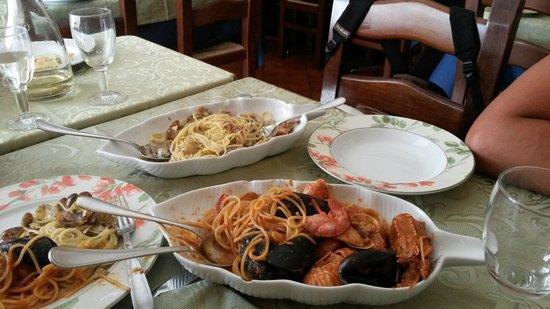 Da Robertino: Spaghetti alo scoglio e spaghetti con arselle
