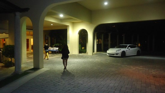 Delray Beach Marriott: Hotel Entrance