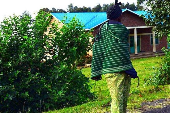 Virunga Lodge: On the road
