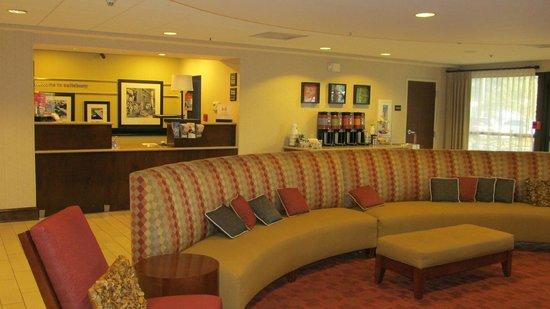Hampton Inn Salisbury: lobby