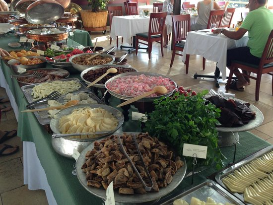 Armada Istanbul Old City Hotel: breakfast buffet