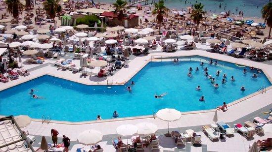 Grupotel Playa Camp de Mar: the hotel pool